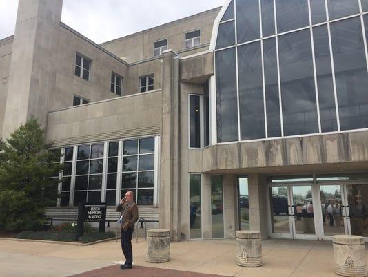 Busch Municipal Building