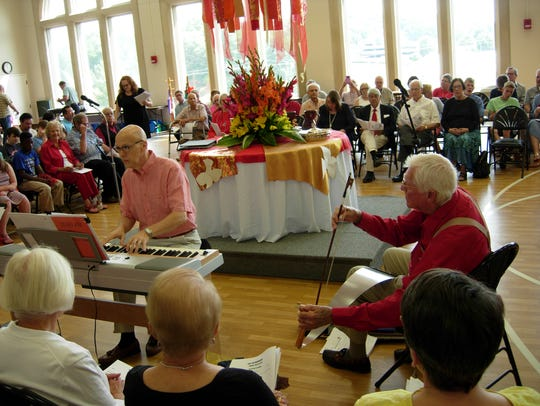 """Maddox plays """"In the Garden"""" with pianist Mark Pace"""