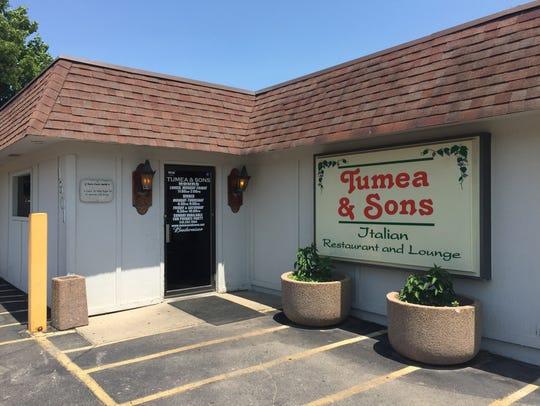 Italian eatery Tumea & Sons has been a Des Moines staple