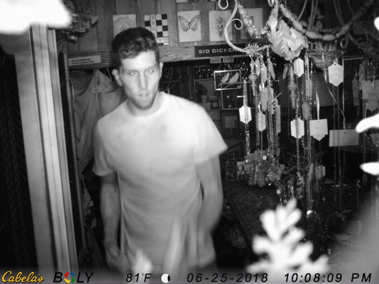 636657184619945142-burglary-investigation-photo-pewaukee.jpg