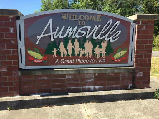 The sign entering Aumsville. The city will shortly be without half of its city council after its members were recalled.