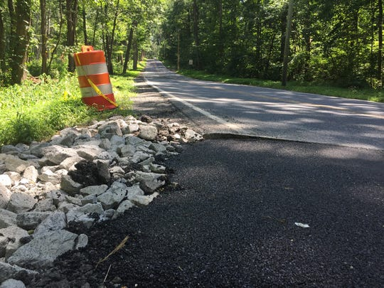 Sinkhole damage being repaired on Mount Wilson Road