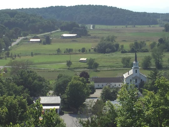 Looking toward the United Church in Hinesburg from