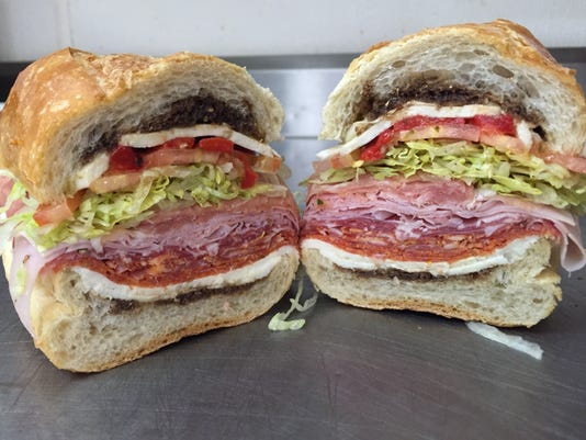 636739901472738473-Courier-News-Italian-Delis-Sapore-Ravioli-The-Dom-Sandwich.JPG