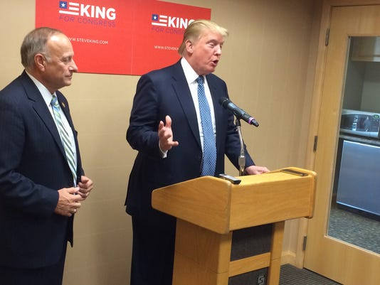 635492582852200024-Steve-King-and-Donald-Trump