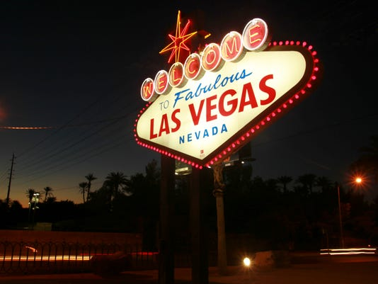 b3e1b9233207 Welcome to Fabulous Las Vegas  sign designer dies at 91