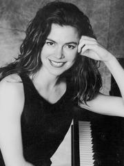 Pianist Lise Keiter to perform Feb. 21, 2016.