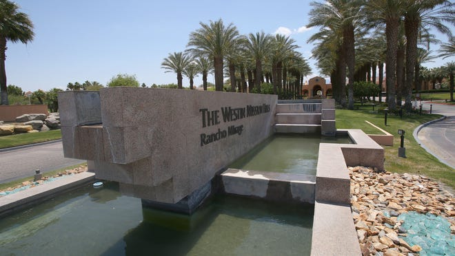 A fountain is turned off at the Westin Mission Hills Resort during daytime hours to help avoid evaporation because of the drought, May 22, 2015.
