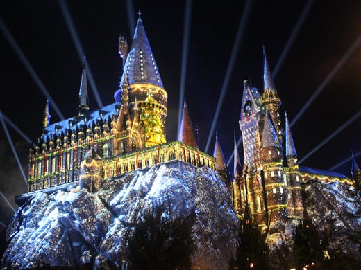 wizarding world fairies generate much of the light in christmas decorations they are featured in the magic of christmas at hogwarts a new projection show