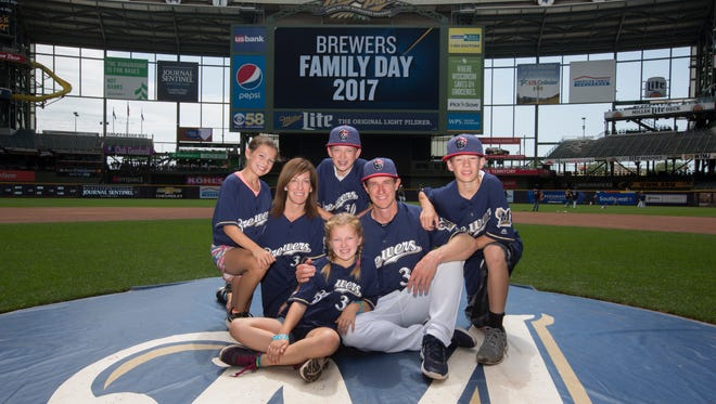 Milwaukee Brewers manager Craig Counsell and his family will be honorary co-chairs of this year's UPAF Ride for the Arts.