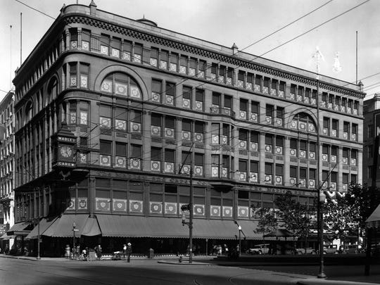The Mabley & Carew department store building, designed by James W. McLaughlin, opened in 1889 at the northeast corner of Fifth and Vine streets, the current site of Fountain Square.