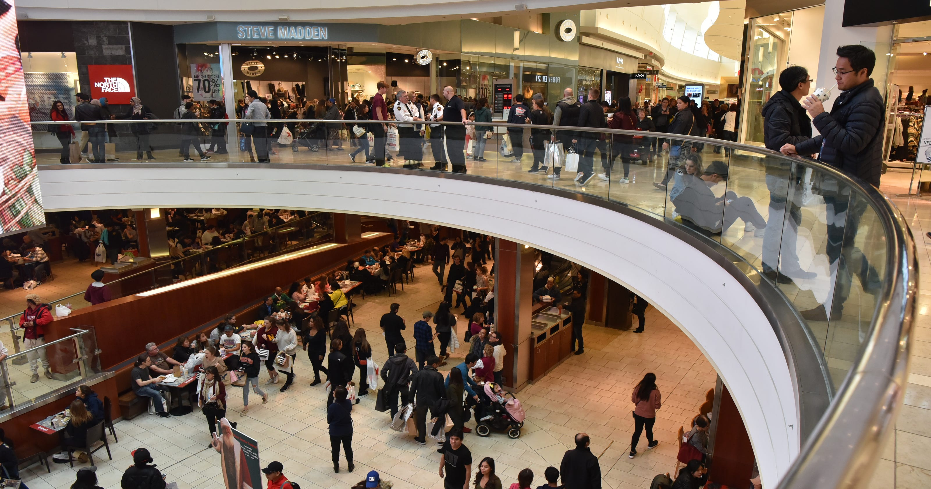 Where to eat at the mall during Black Friday
