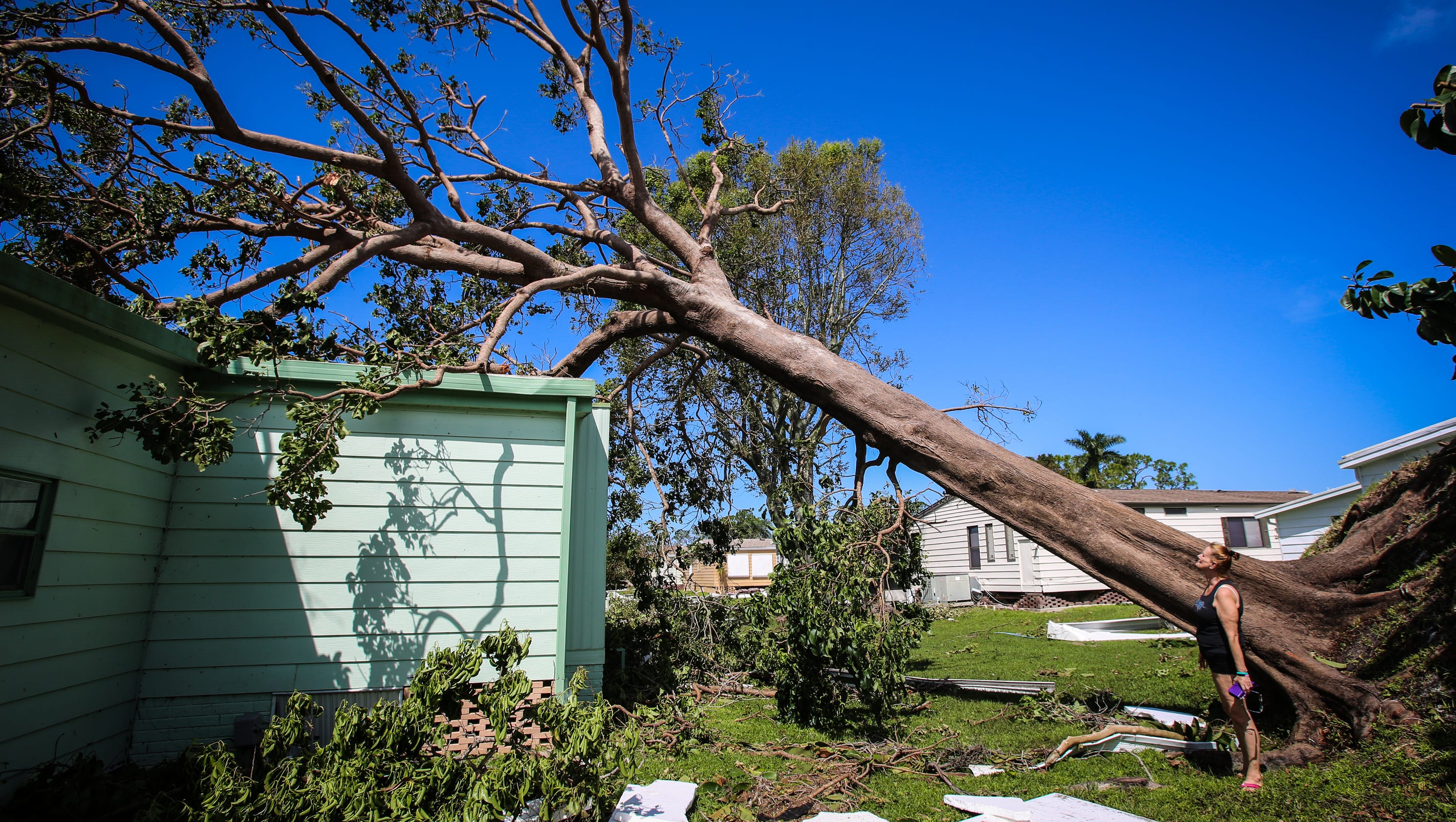 Hurricane Irma Mobile Home Parks Bear Brunt Of Structural Damage In Naples