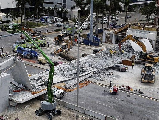 AP UNIVERSITY BRIDGE COLLAPSE A USA FL