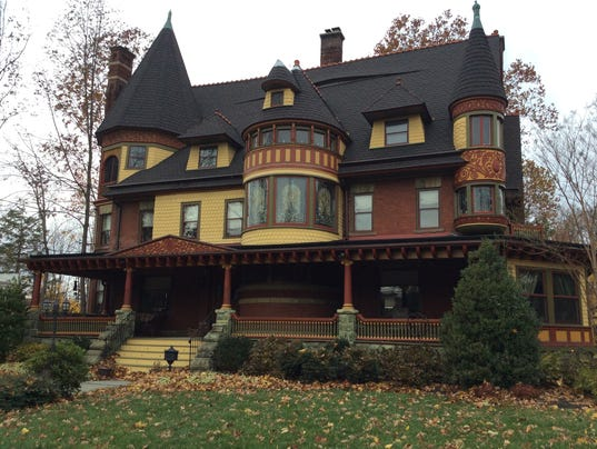 House tours in plainfield and east amwell usher in the for Queen anne victorian