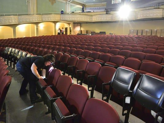 STC 0605 Paramount Seats 1