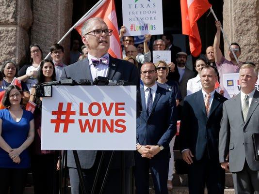 AP GAY MARRIAGE A USA TX