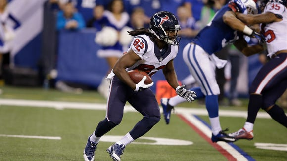 Houston Texans wide receiver Keshawn Martin runs after