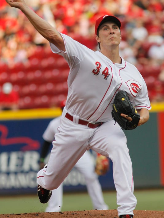 Cincinnati Reds' Homer Bailey pitches against the San Francisco Giants in the first inning of a baseball game, Tuesday, June 3, 2014, in Cincinnati. (AP Photo/Tom Uhlman)