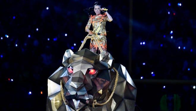 Feb 1, 2015; Glendale, AZ, USA; Recording artist Katy Perry performs during halftime of the game between the Seattle Seahawks and the New England Patriots in Super Bowl XLIX at University of Phoenix Stadium.