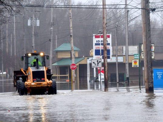 636549853250196053-022318-dy-Flooding-Lansing0138.jpg