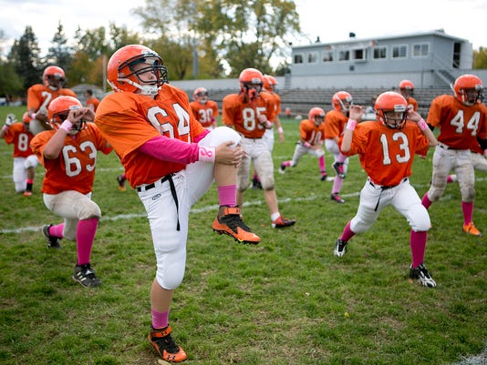 MNH Middle School Football 01.JPG