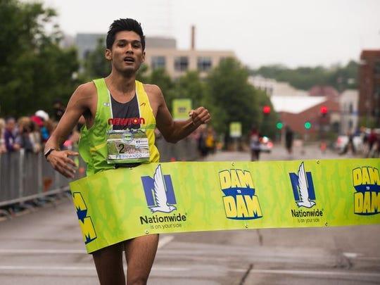 Dam to Dam men's winner Fernando Cabada.