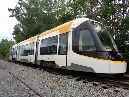 635805392416701871-first-streetcar-vehicle