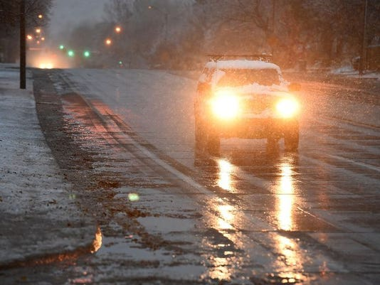 635831951778453810-FTCBrd-11-12-2015-Coloradoan-1-A001--2015-11-11-IMG-snow-traffic-1-1-ODCHCLO6-L708654238-IMG-snow-traffic-1-1-ODCHCLO6-1-