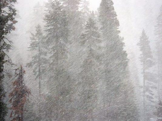 635856001458849160-snow.JPG