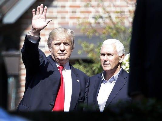 636040985013011072-Pence-and-Trump-waving.jpg