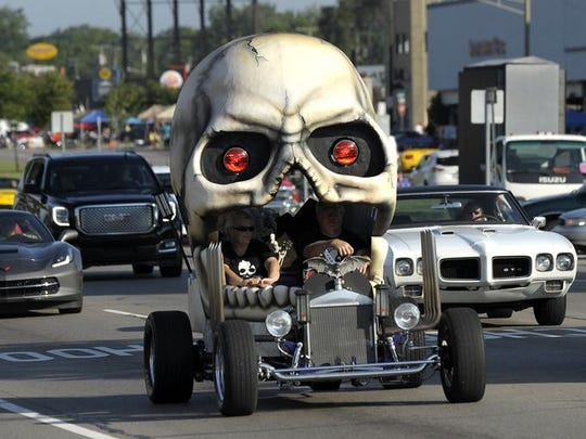 A mystery vehicle shaped like a skull drives south on Woodward near 13 Mile.