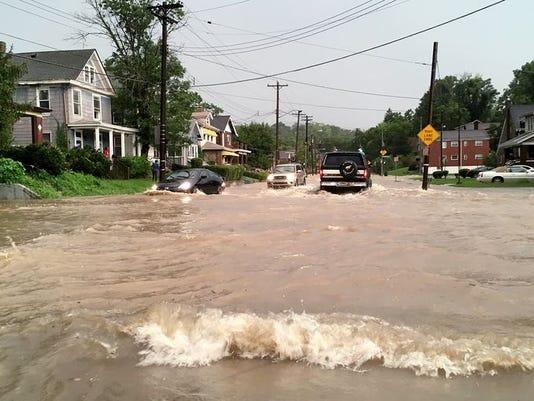 636080495364322428-636080186416331726-flood2.jpg