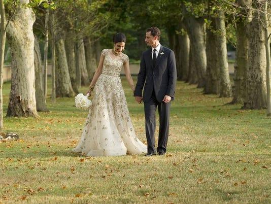 636082028437461951-636080673583063886-AP-Weiner-Wedding.jpg