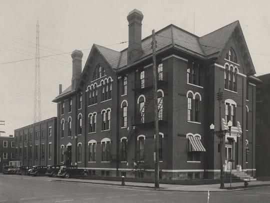 Binghamton Police Department headquarters on Washington Street, around 1915.
