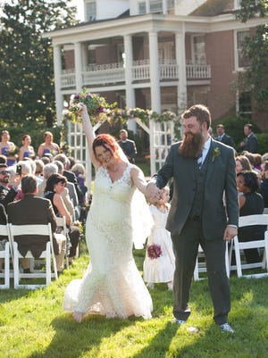 Katie and Mike Stiles married on March 26, 2016, at Homestead Manor in Thompson's Station.