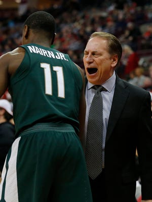 Michigan State Spartans head coach Tom Izzo with guard Lourawls Nairn Jr. (11) during the first half at against the Ohio State Buckeyes Value City Arena, Jan 7, 2018; Columbus, OH.