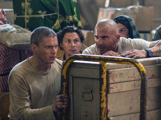 Michael Scofield (Wentworth Miller) and Lincoln Burrows