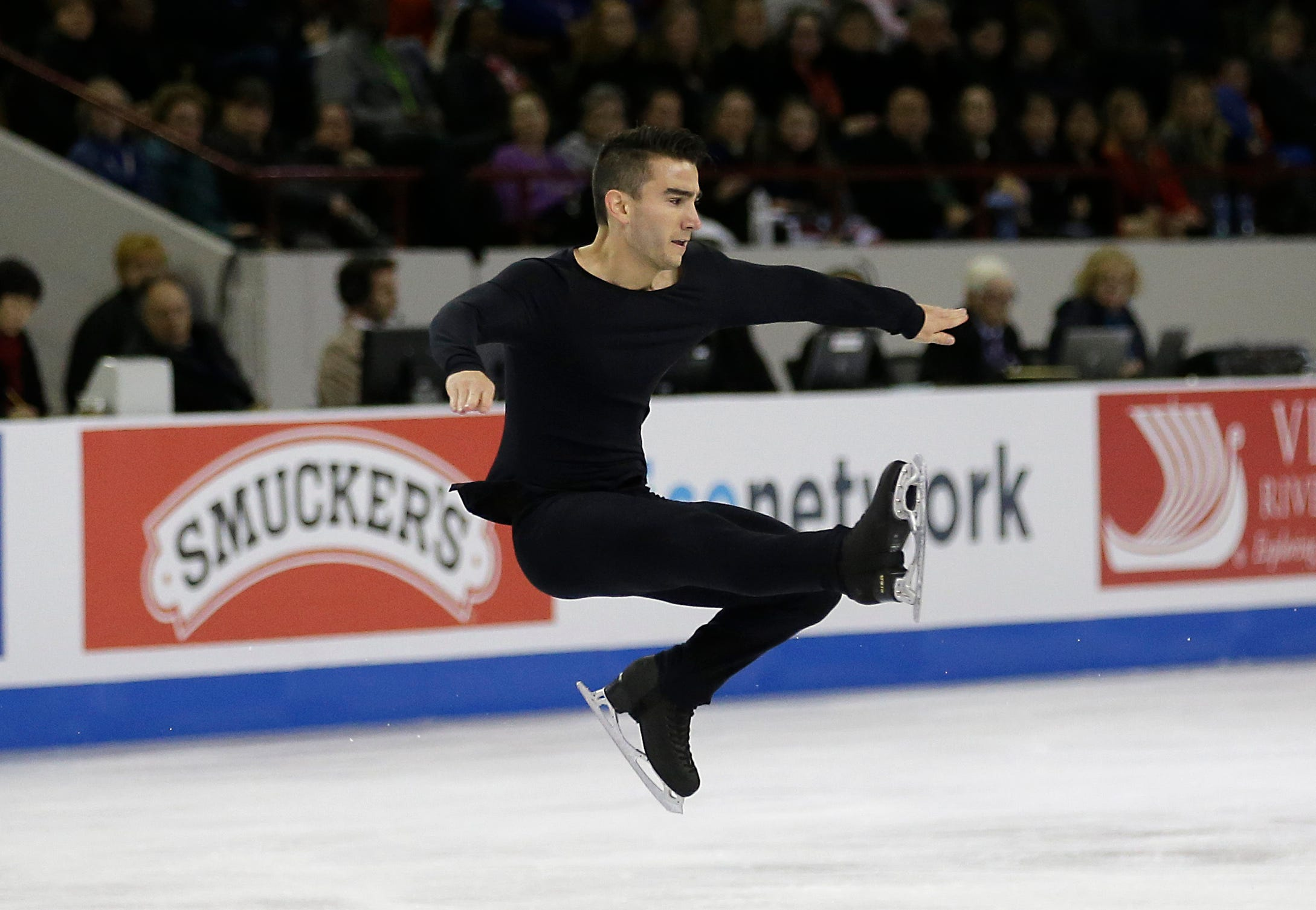 Max Aaron returns to form, wins Skate America