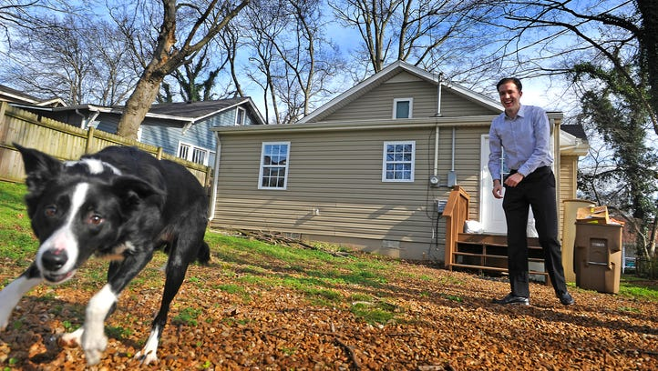 The Metro Council advanced legislation on Tuesday that would require shelter for animals that are nursing, pregnant or six months or younger during extreme weather.