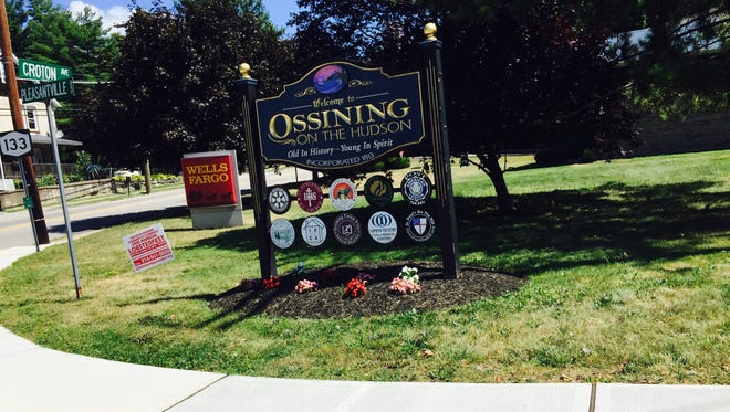 Sign welcoming people to Ossining at Route 133.