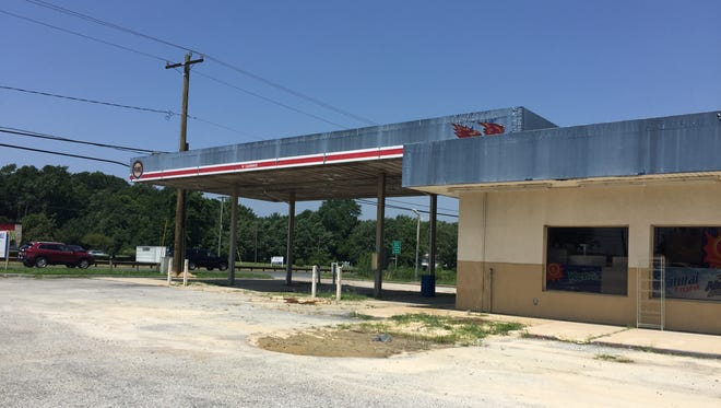 The vacant Toco gas station at the corner of Dagsboro Road and North Salisbury Boulevard in Salisbury is slated to become a grocery store, albeit a small one.