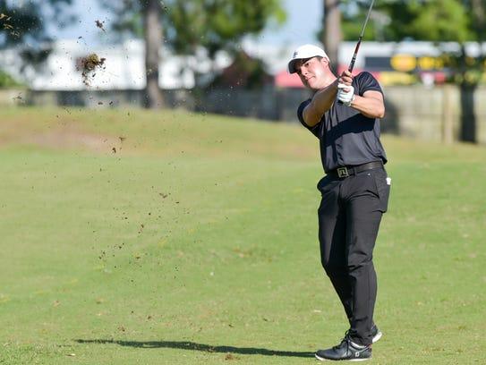Sebastian Vazquez hits approach shot to 9 green at
