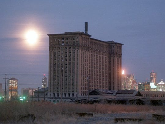 Michigan Central Station in Detroit in 1998.