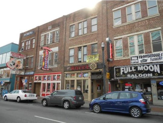Singer Alan Jackson is the new owner of 421 Broadway,