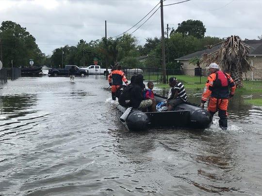 Kentucky Air National Guardsmen conduct water rescue