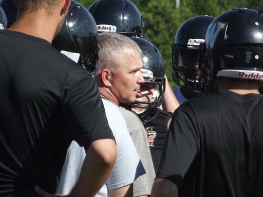 Photo 4 West De Pere coach Jack Batten