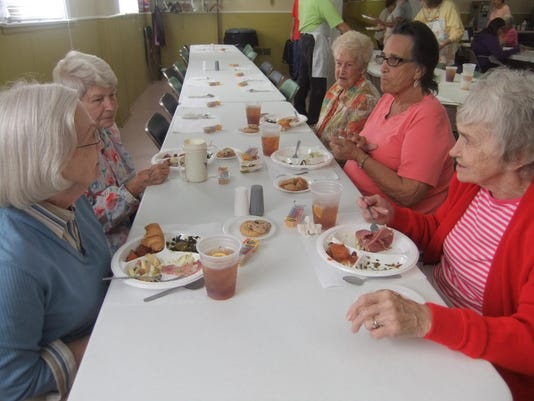 BMN 100815 Ladies who lunch A8