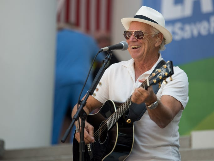 Jimmy Buffett performed on the steps of the Capitol