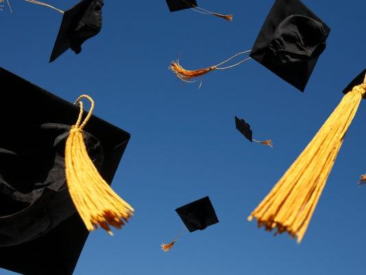 635807141505752712-Graduation